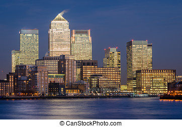 London, Canary Wharf blue hour