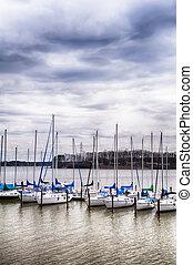 港, 空, 曇り, ヨット, 駐車される