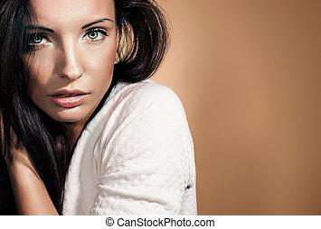 Beauty brunette posing