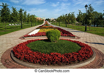 Flower bed in formal garden - A beautiful flower bed in a...