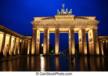 Brandenburg gate. - The Brandenburg gate in Berlin.