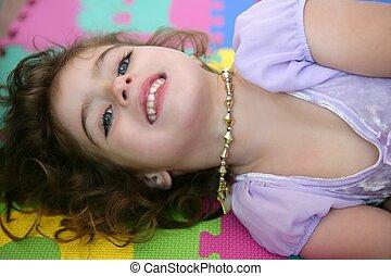 mooi, prinsesje, weinig; niet zo(veel), meisje, het...