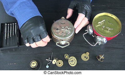 watchmaker repair analog clock - watchmaker repair old...