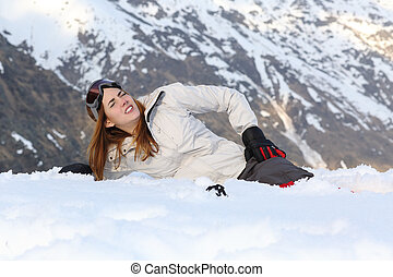 esquiador, mulher, magoado, em, a, neve,