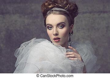 romántico, dama, con, tiara, ,