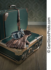 Aviator vintage luggage - Aviator vintage glasses and...