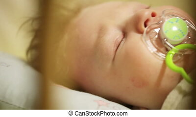 Cradles baby - In crib dad cradles son