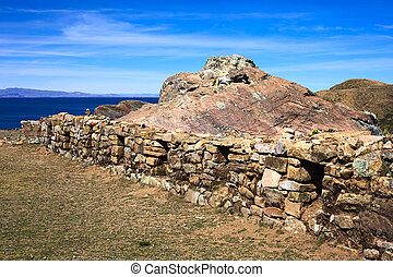 bajo, piedra, pared, en, ISLA, del, Sol, en, lago, Titicaca,...