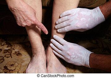 piernas, de, 3º edad, mujer,