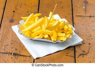 Pommes frites, Patatas Bravas, - Close-up von typischen...