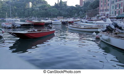 Barca nel porto - Porto italiano, particolare di una barca...