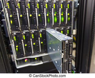 server chassis, the platform virtualization in the data...