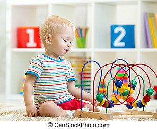 面白い, 教育, おもちゃ, 男の子, 屋内, よちよち歩きの子, 遊び