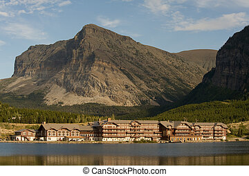 Mountain hotel - Historical lodge at Many Glacier lake at...