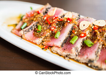 Tuna salad - Spicy tuna salad japanese food - selective...