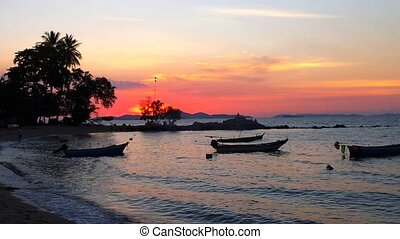 Sundown - Evening on Wong Amat Beach, North of Pattaya City,...