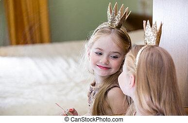 a, pequeno, princesa, olha, em, a, espelho,
