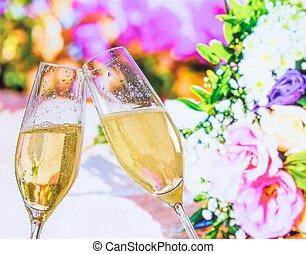 champaña, Flautas, con, dorado, burbujas, en, boda,...