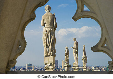 Il Duomo di Milano - Statues at the roof of Il Duomo di...