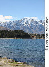 Lake Wakatipu and the Remarkables in New Zealand - View of...