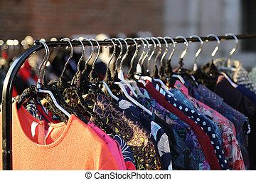 estilo, muitos, venda, vindima, pulga, mercado, roupas