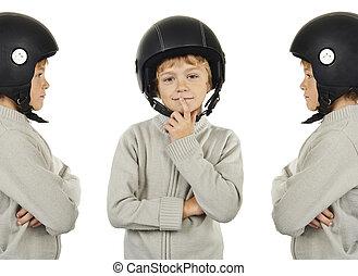 joven, tríos, niño, con, negro, casco,