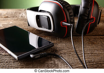 Small headphones with mobile phone - Headphones with mobile...