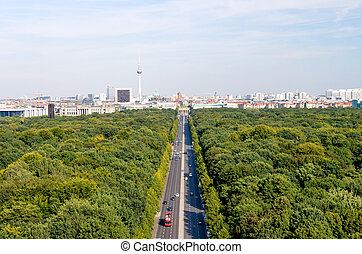 berlin view - view on berlin tiergarten and brandenburger...