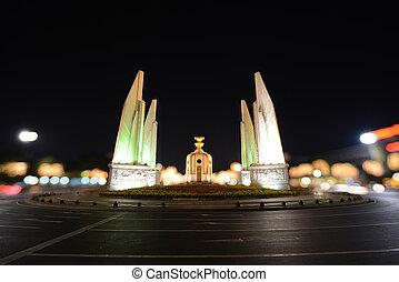 democracia, monumento, en, noche, Bangkok, Thailand.,