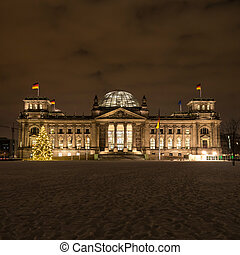 bundestag in winter by night - bundestag in berlin by night...