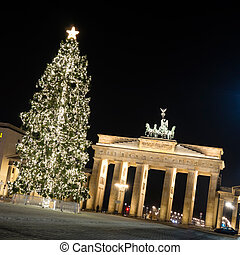 brandenburger tor - brandenburger in berlin tor by night in...