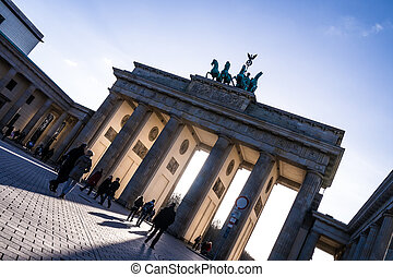 brandenburger tor in berlin in spring time