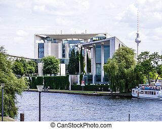 bundeskanzleramt in berlin - bundeskanzleramt near the spree...