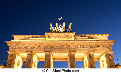 brandenburger tor in berlin in evening time