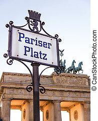 pariser platz in berlin with brandenburger tor