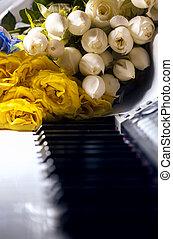 llaves,  piano, flores