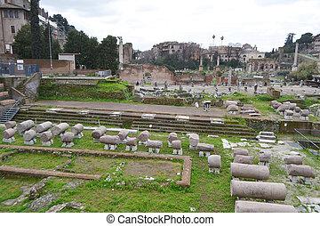 Forum Romanum in Rome, Italy - Ancient ruins Forum Romanum...