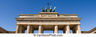 brandenburger tor in berlin with blue sky