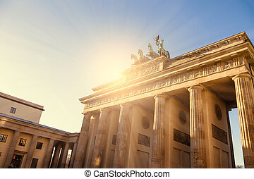brandenburger tor with sunlight in berlin