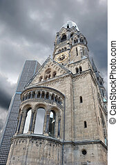 Kirche. - Kaiser Wilhelm Memorial Church destroyed in the...
