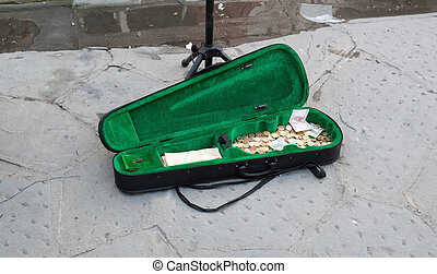 The case of the violin busker with money - The case of the...