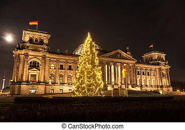 bundestag at christmas in berlin