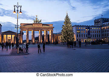 christmas at brandenburger tor in berlin