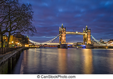 London, Tower Bridge blue hour