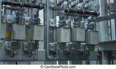 High-voltage substation power outage power switch