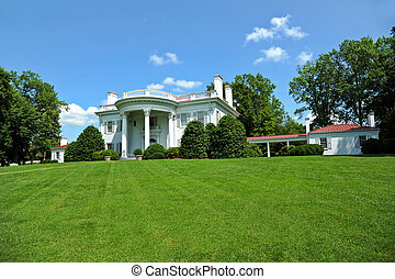 Southern Mansion - Large Southern Mansion with Beautiful...