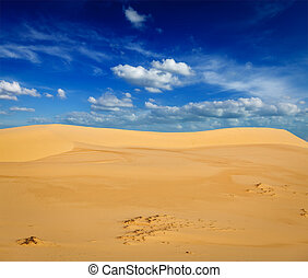 White sand dunes on sunrise, Mui Ne, Vietnam - White sand...