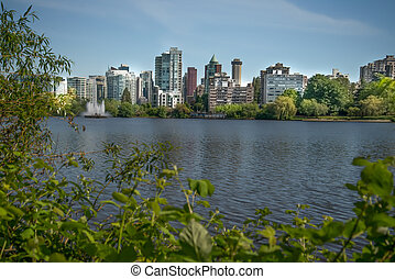 Vancouver skyline at Stanley Park - View of the Vancouver...