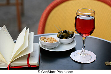 Kir cassis, nibbles and and personal organizer - Parisian...
