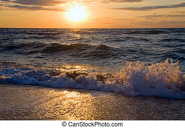 Sea sunset surf wave - Sea sunset surf great wave break on...